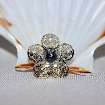 Ring Black flower
